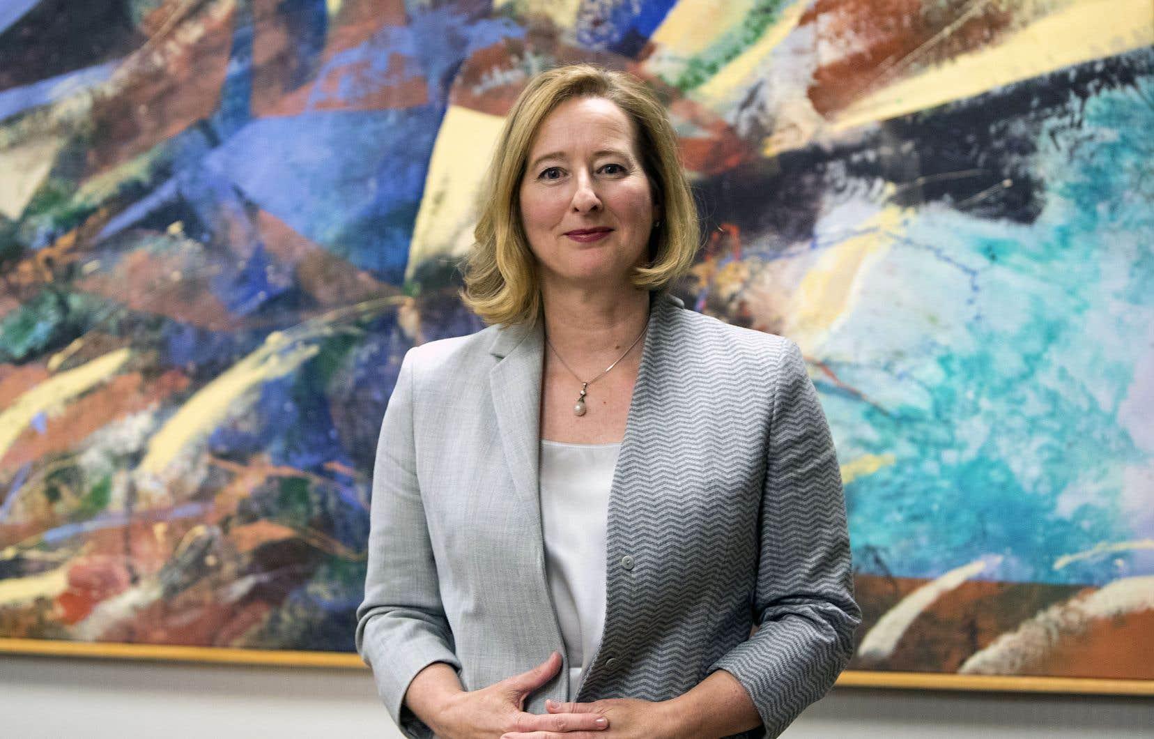 «Nous suivons de très, très près l'évolution de la situation des ménages et l'impact de nos politiques sur eux», soutient Carolyn Wilkins.