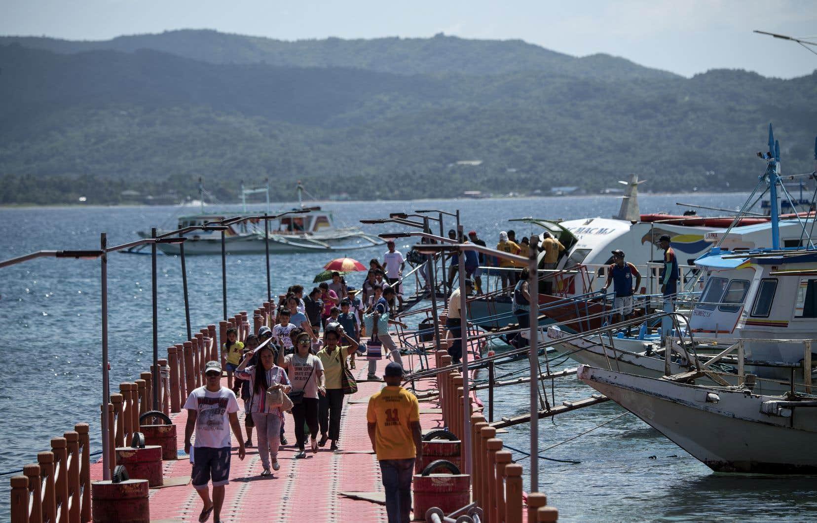 <p>De nouvelles règles ont été imposées aux touristes pour lutter contre les ravages environnementaux du tourisme de masse.</p>