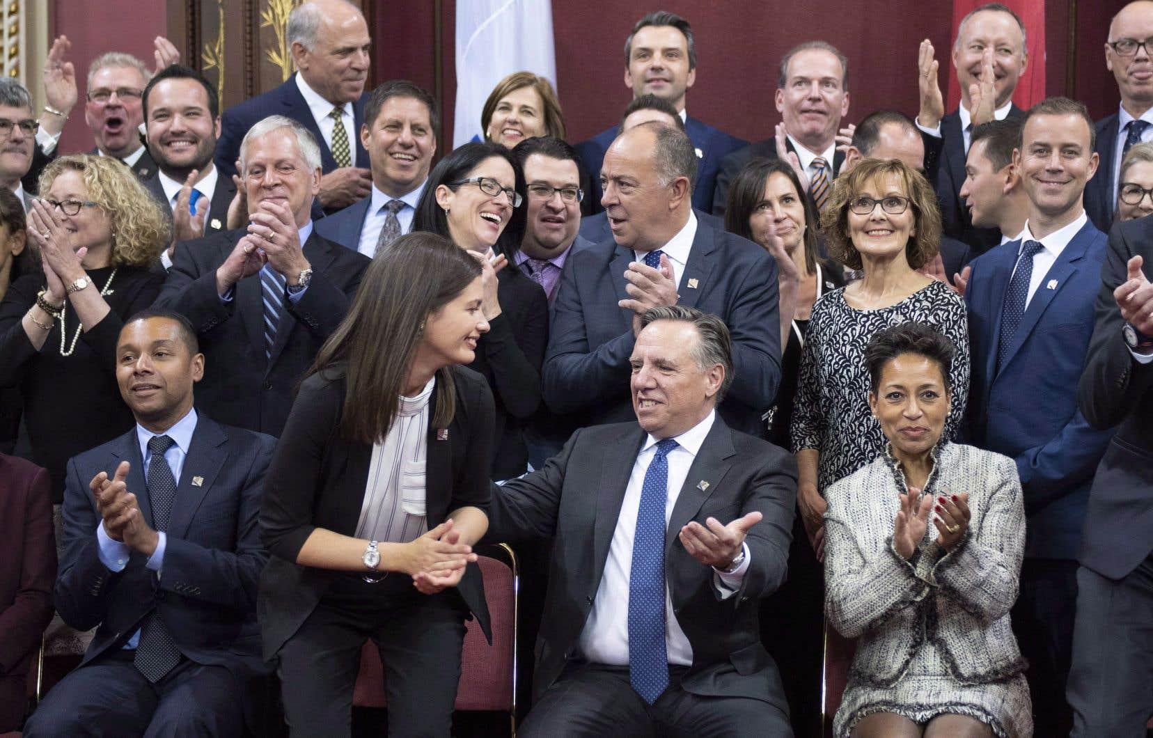 Lorsque le premier ministre Legault a fait l'annonce de la composition de son Conseil des ministres, il n'a pas manqué de souligner que celui-ci est paritaire.