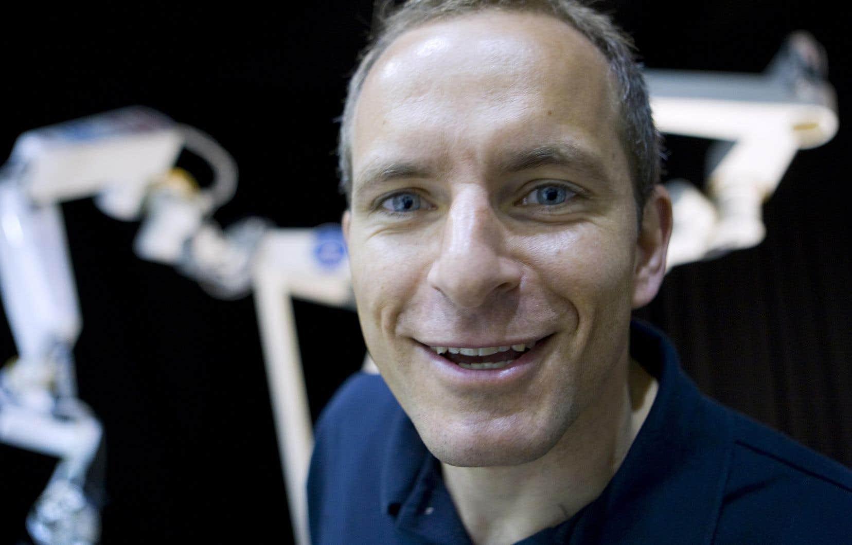 <p>David Saint-Jacques se prépare depuis deux ans pour cette mission et, au cours des cinq derniers mois, il a été membre d'équipage de relève à deux reprises.</p>