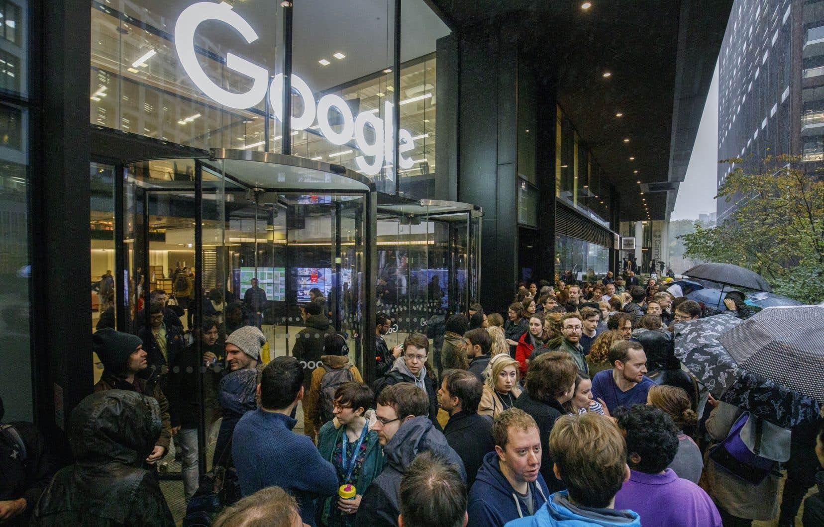 Les employés de Google ont organisé des débrayages dans les bureaux de la compagnie, notamment à Londres.