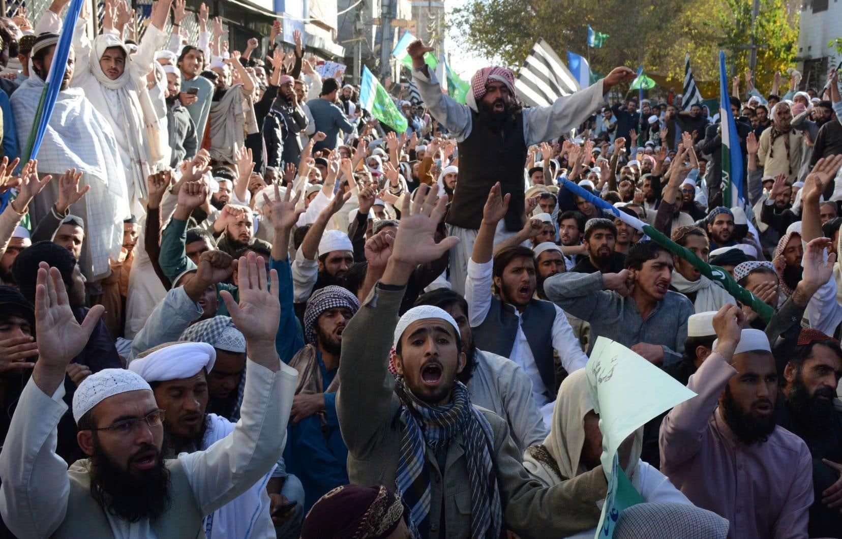 La plupart des rassemblements sont menés par le parti radical Tehreek-e-Labaik Pakistan (TLP), connu pour sa ligne particulièrement dure en matière de blasphème.