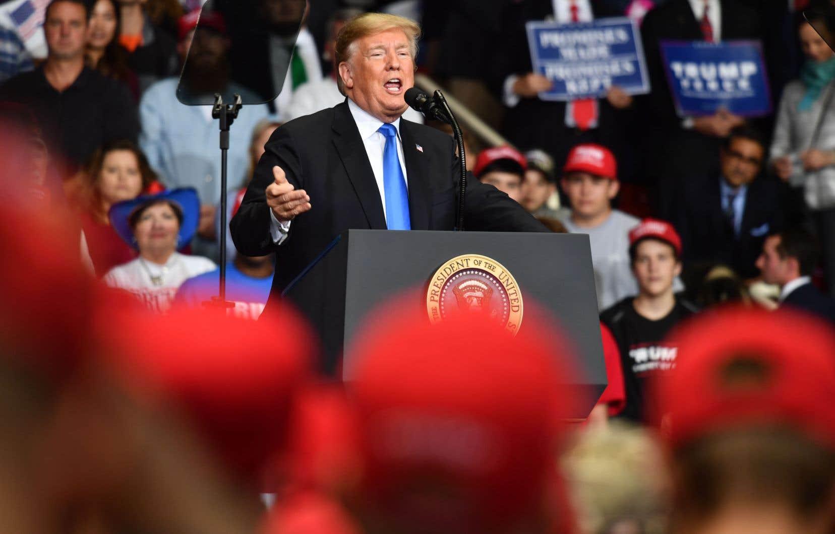 Le président Donald Trump lors d'un rassemblement Make America Great Again à Charlotte, en Caroline du Nord