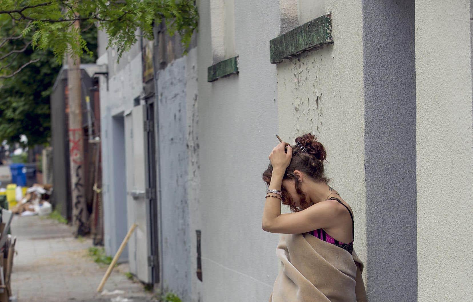Les femmes qui se prostituent le font pour plusieurs raisons, mais très rares sont celles qui le font par plaisir, souligne l'auteure.