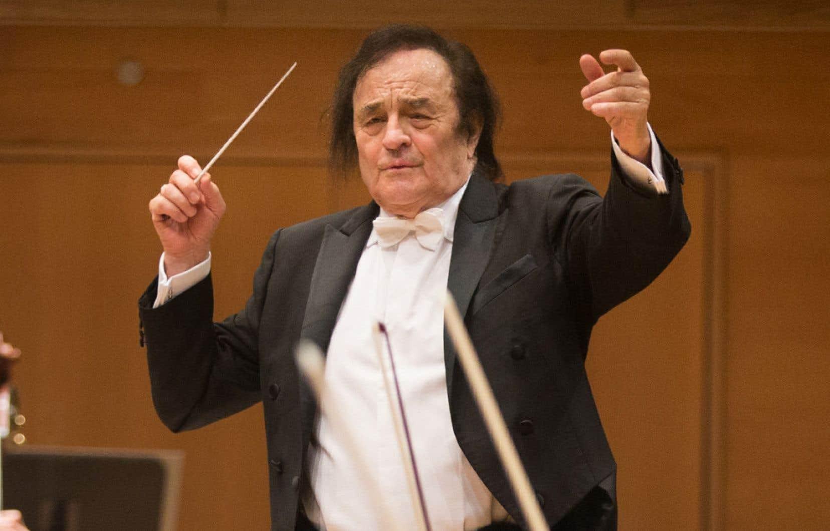 Charles Dutoit fait face depuis environ un an à une série d'allégations d'agressions sexuelles,et plusieurs orchestres ont depuis mis fin à leur collaboration avec le chef.