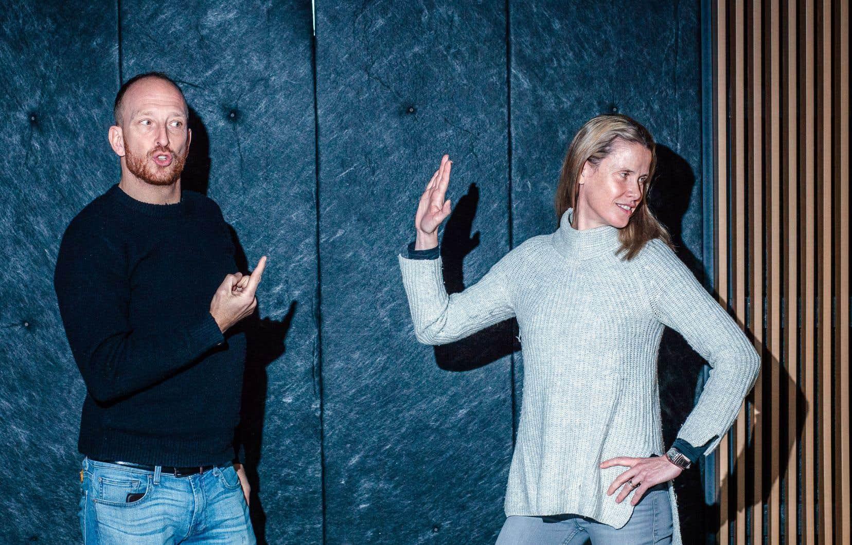 Alex Ivanovici (à gauche) et Annabel Soutar (à droite) ont coécrit «L'assemblée en complicité» avec Brett Watson.
