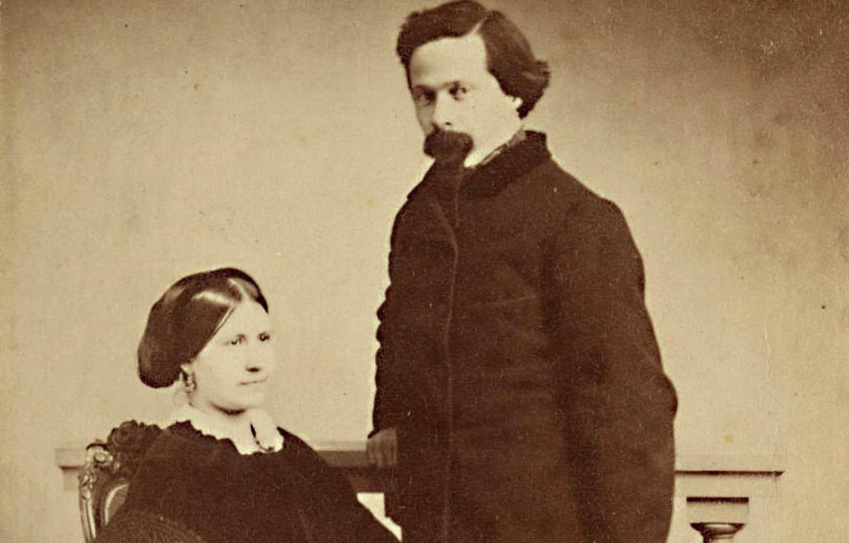 Azélie Papineau était une femme cultivée, préférant en littérature le rêve à la logique et plaçant la musique au-dessus de tout.