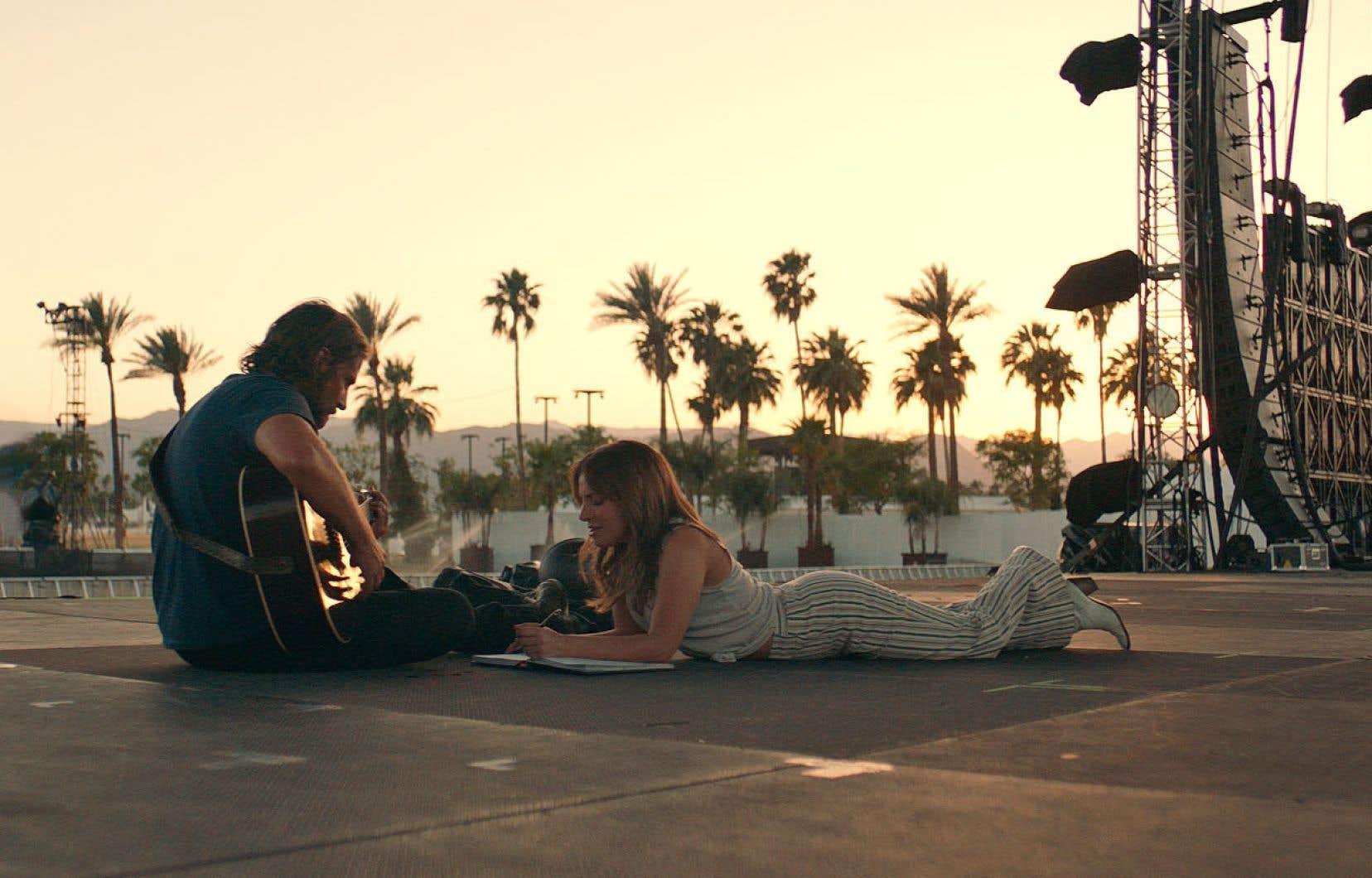 La remouture du film «A Star Is Born», réalisée par Bradley Cooper et dans lequel jouent l'acteur et sa co-étoile Lady Gaga, offre une énième version de Cendrillon pimpée par Harlequin et commanditée par L'Oréal.