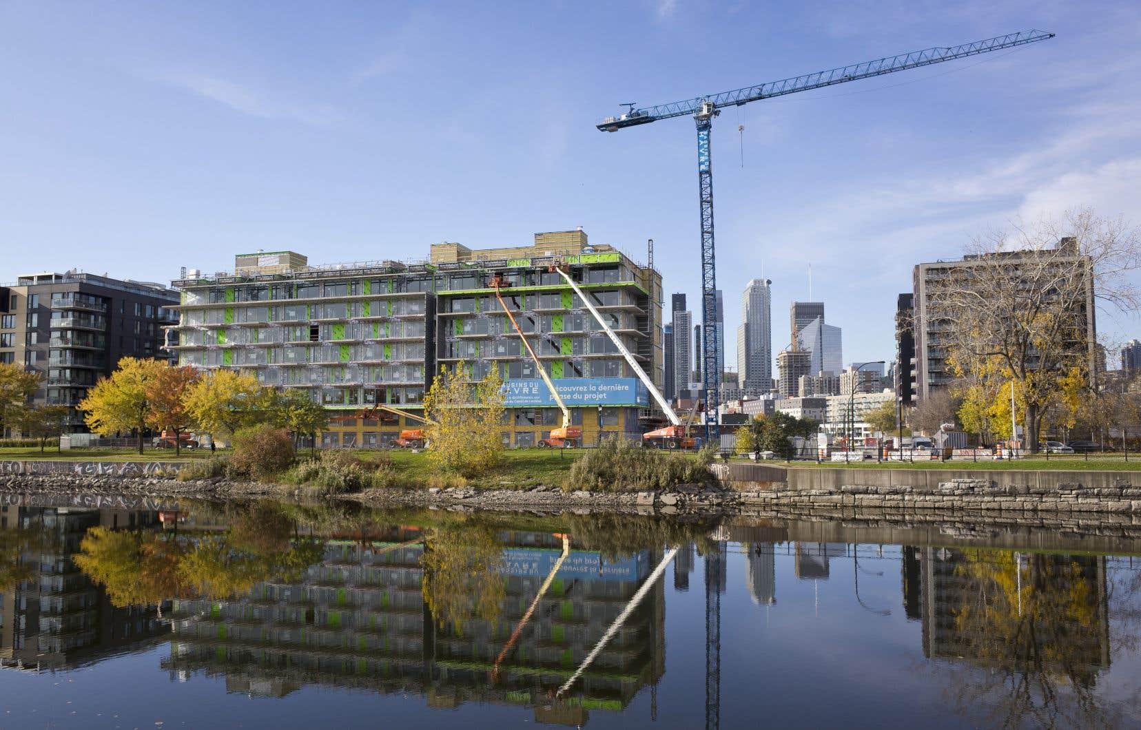 Dans la région de Montréal, le bilan des mises en chantier depuis le début de 2018 fait état d'une très légère croissance.