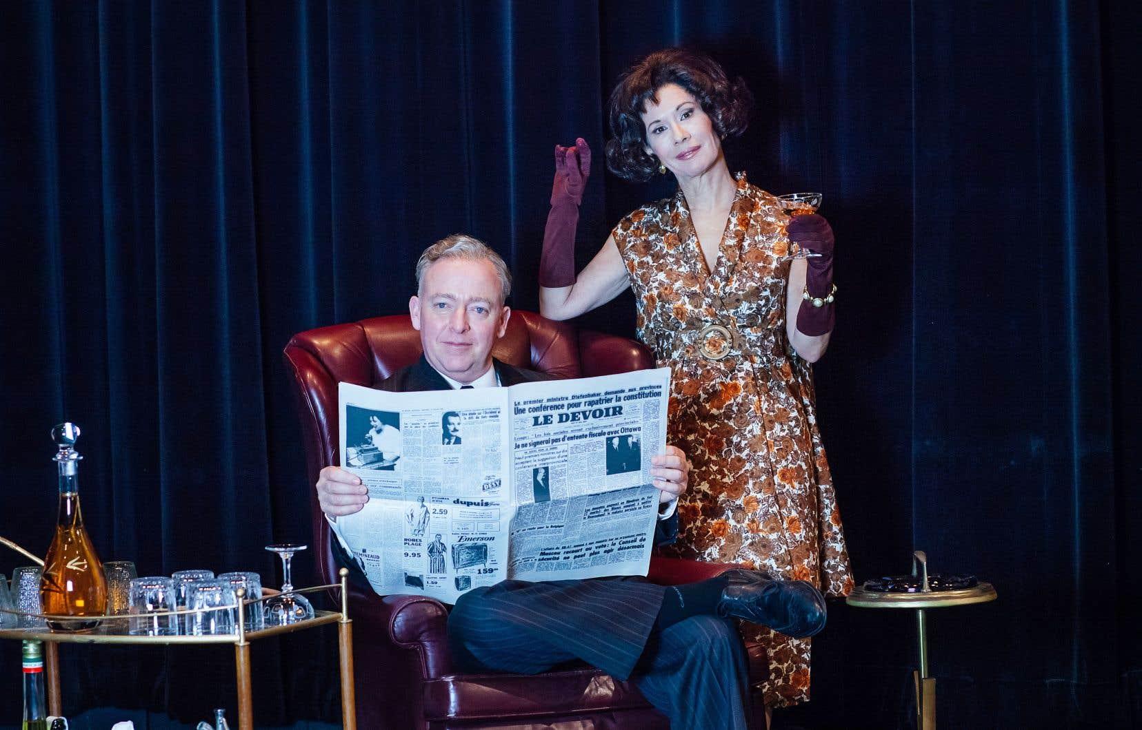 Les comédiens Guy Jodoin et Sylvie Léonard dans le décor de Bilan.
