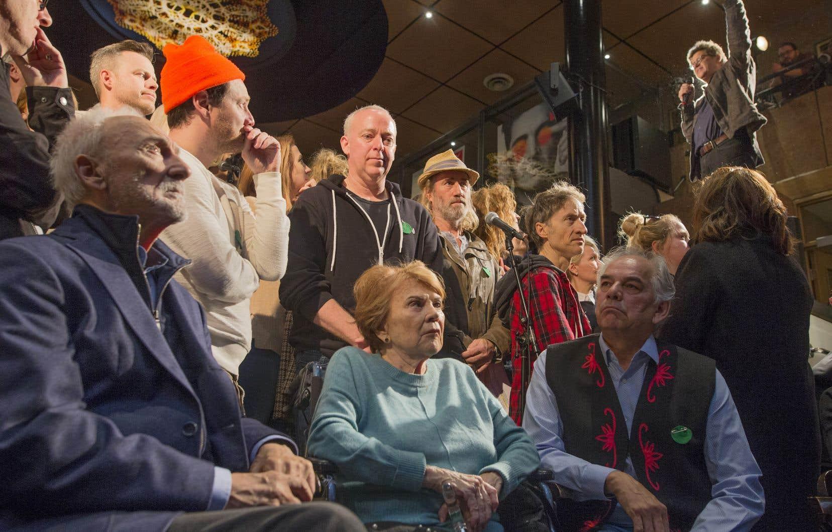 En signant le «pacte», appuyé par plus de 400 personnalités publiques avant son lancement, les citoyens s'engagent à agir pour réduire leurs émissions de GES en posant des gestes concrets