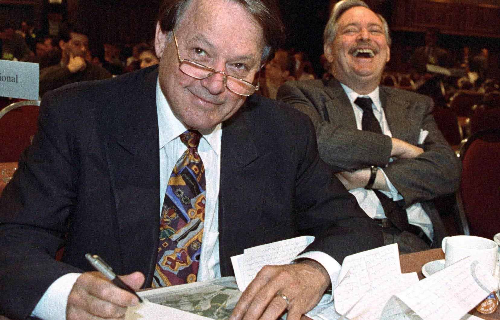 Le 4 avril 1993, Landry et Parizeau rigolent lors d'un congrès du PQ, à Montréal.