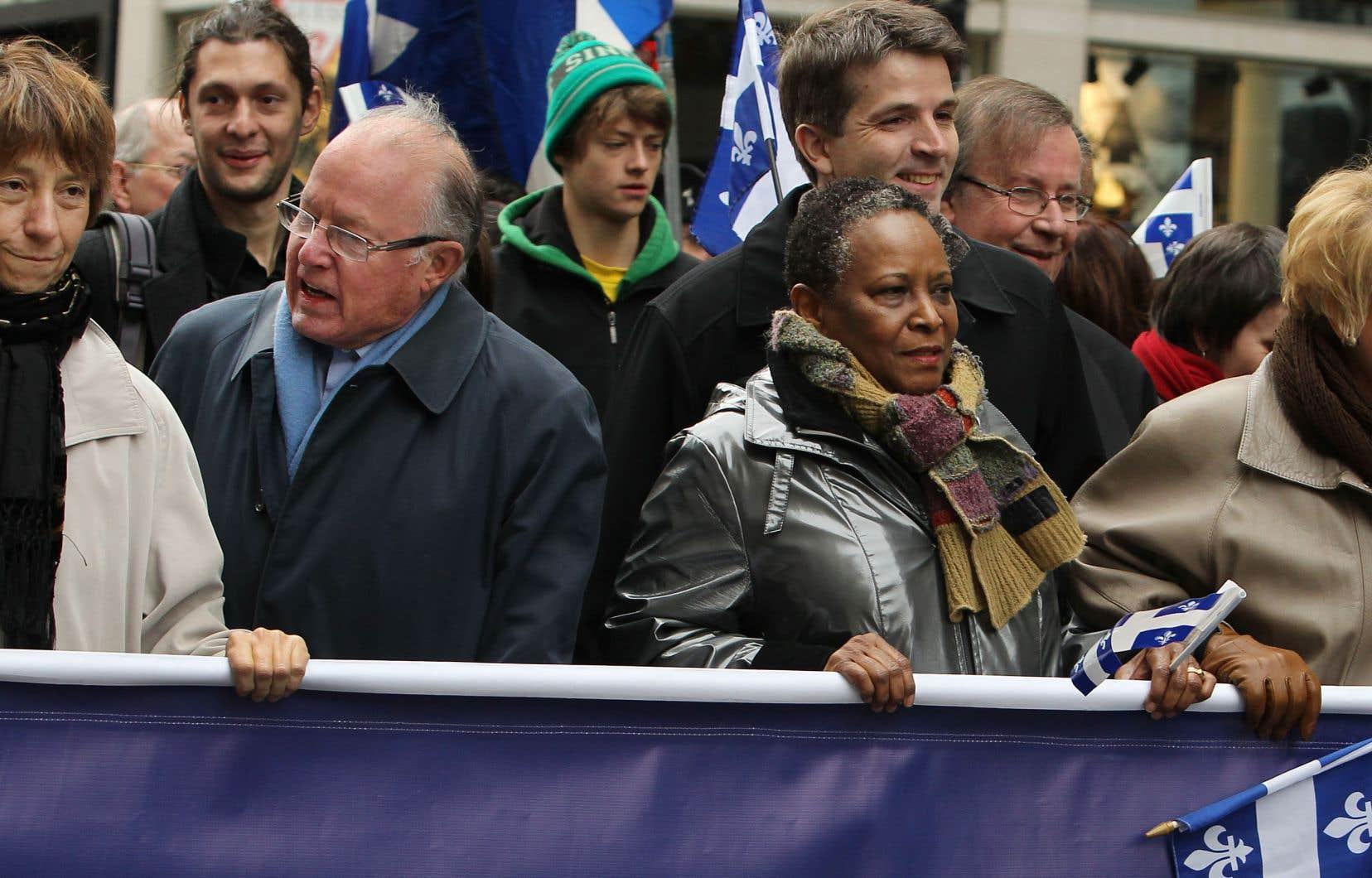 Lors d'une marche pour l'indépendance, en 2011, avec Françoise David, Vivian Barbot et Pauline Marois