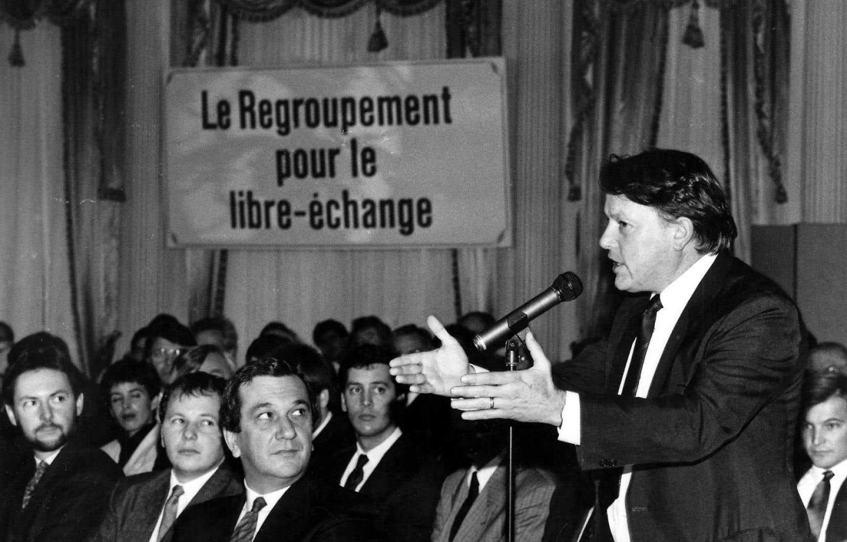 En 1988, alors que Landry est redevenu professeur, il milite pour le libre-échange entre le Canada et les États-Unis.