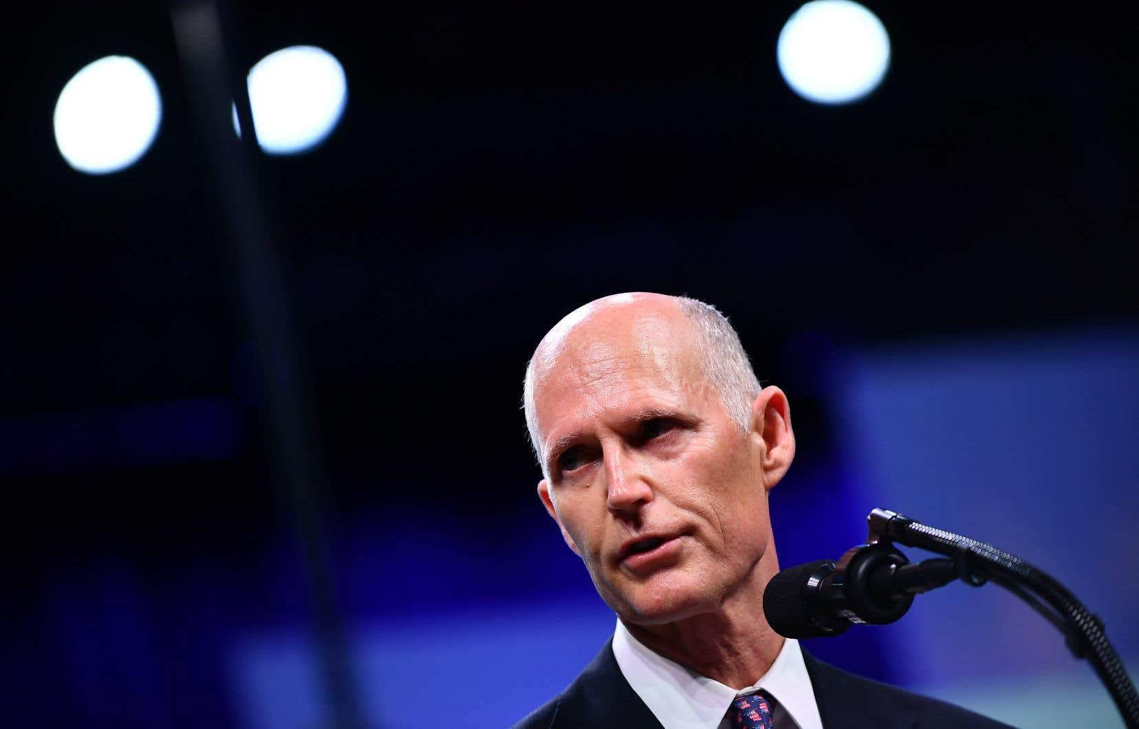 «Le sénateur [démocrate Bill] Nelson essaye clairement de frauder pour remporter ce scrutin», a déclaré dimanche Rick Scott.