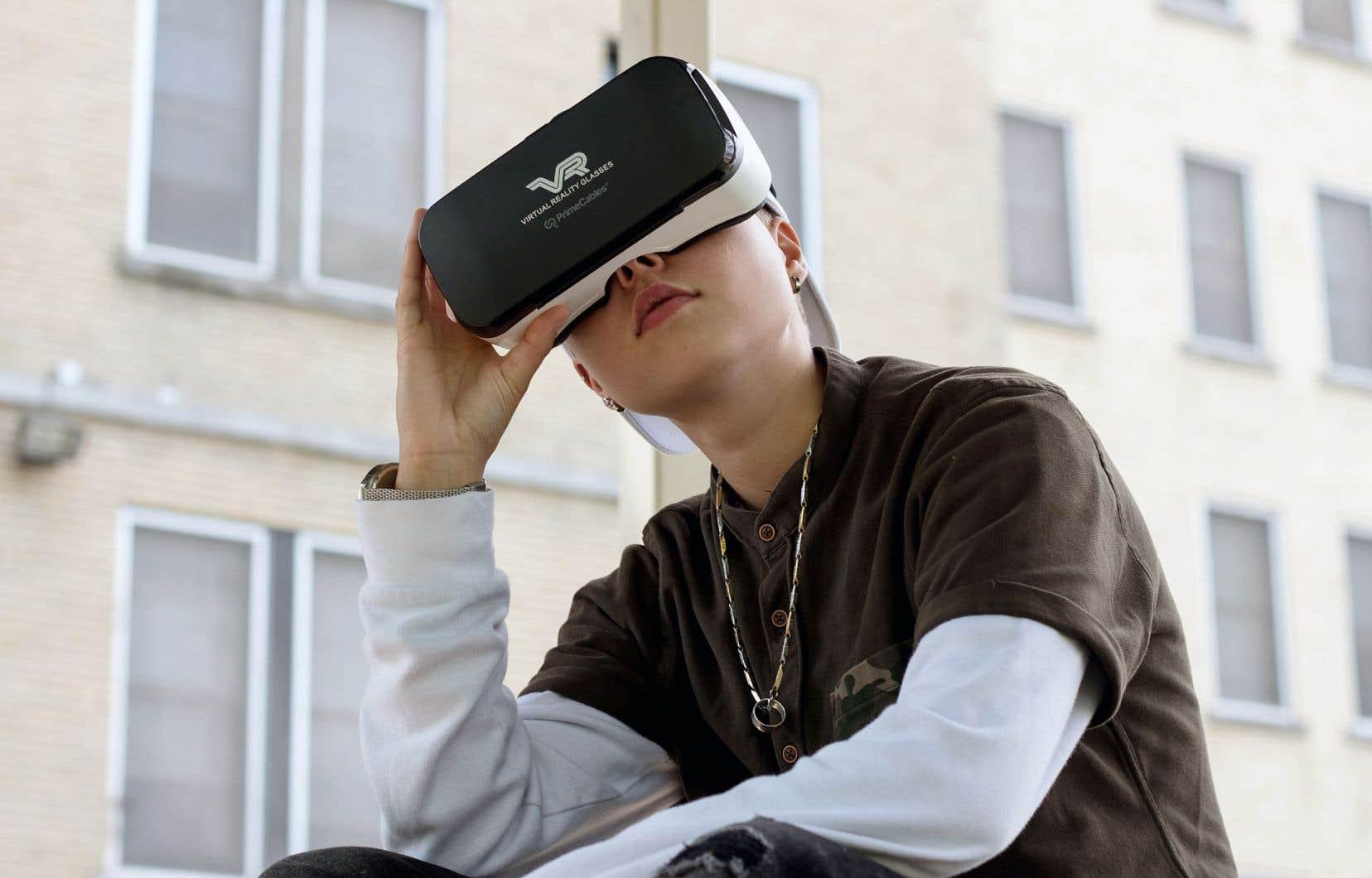 «Avec la réalité virtuelle, les jeunes filles se disaient: ils vont être obligés de nous écouter. Ils n'auront pas le choix. Ils vont voir c'est quoi, notre réalité», affirme la coréalisatrice Mélina Desrosiers.