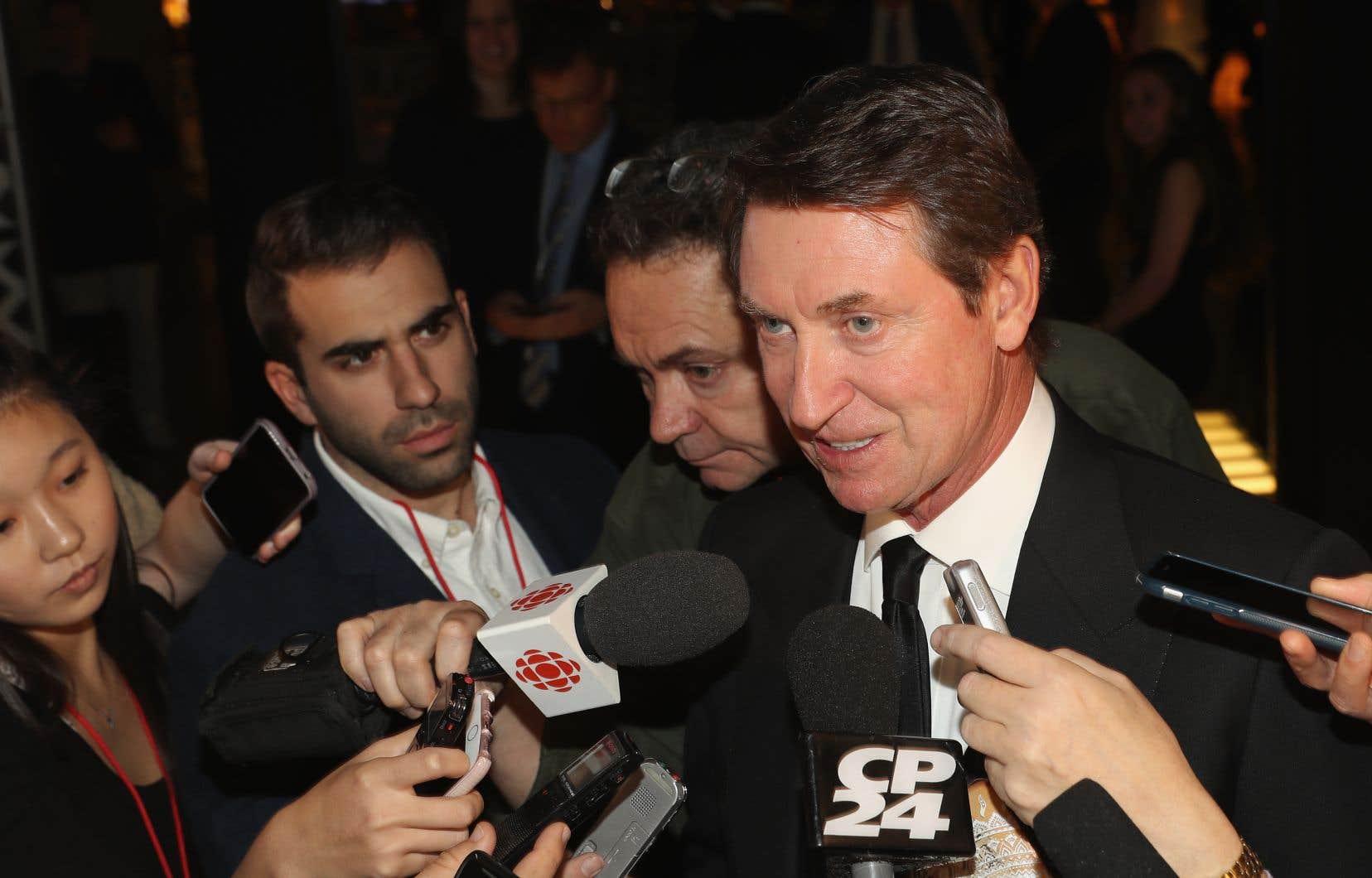 S'exprimant avant la cérémonie d'intronisation du Temple de la renommée du hockey lundi soir, Gretzky n'a pas voulu dire s'il estimait que les 22000$US constituaient un montant acceptable pour les joueurs.