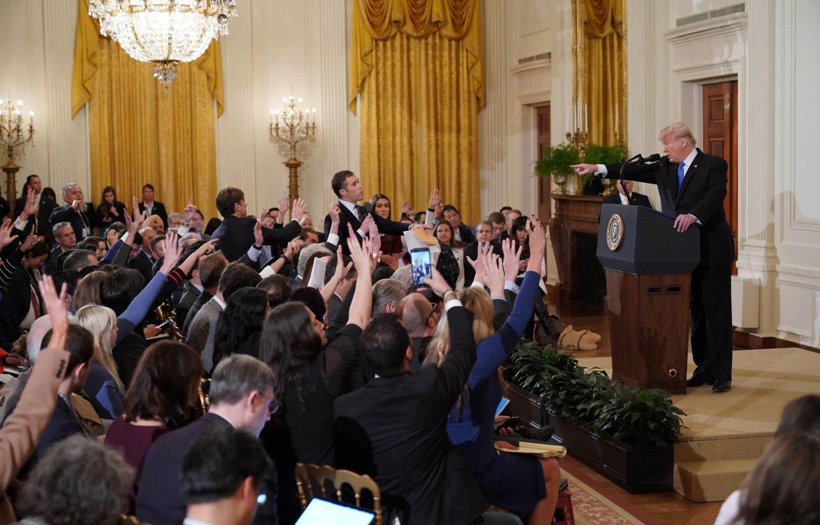 La Maison-Blanche avait affirmé que la décision n'était pas liée aux questions du reporter.