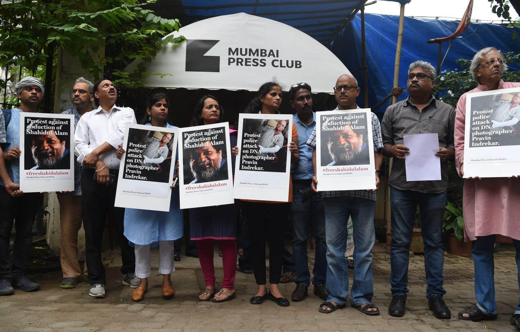 «La semaine dernière, malgré le travail acharné de ses procureurs, de sa famille et de ses amis, Alam s'est vu refuser pour la cinquième fois une mise en liberté provisoire», rappelle l'auteur.