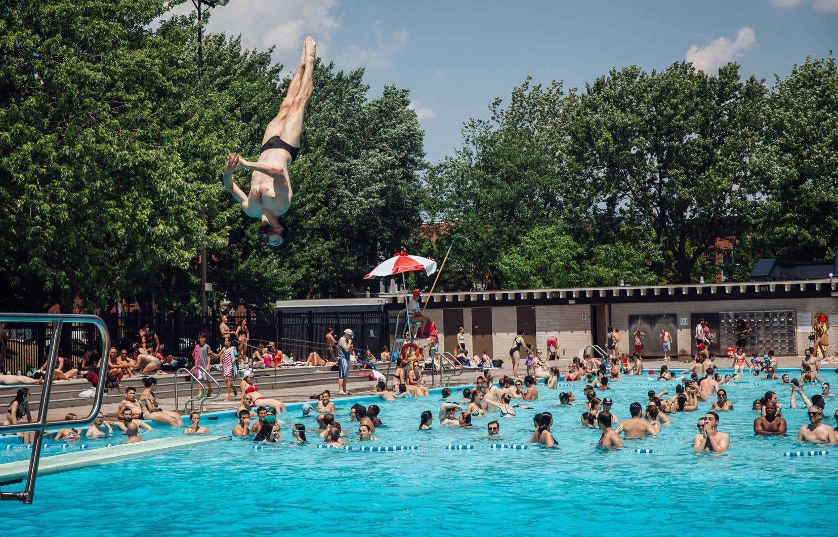 Un vestiaire universel permettra à tous les usagers de la piscine d'avoir un accès non genré et plus sécuritaire.