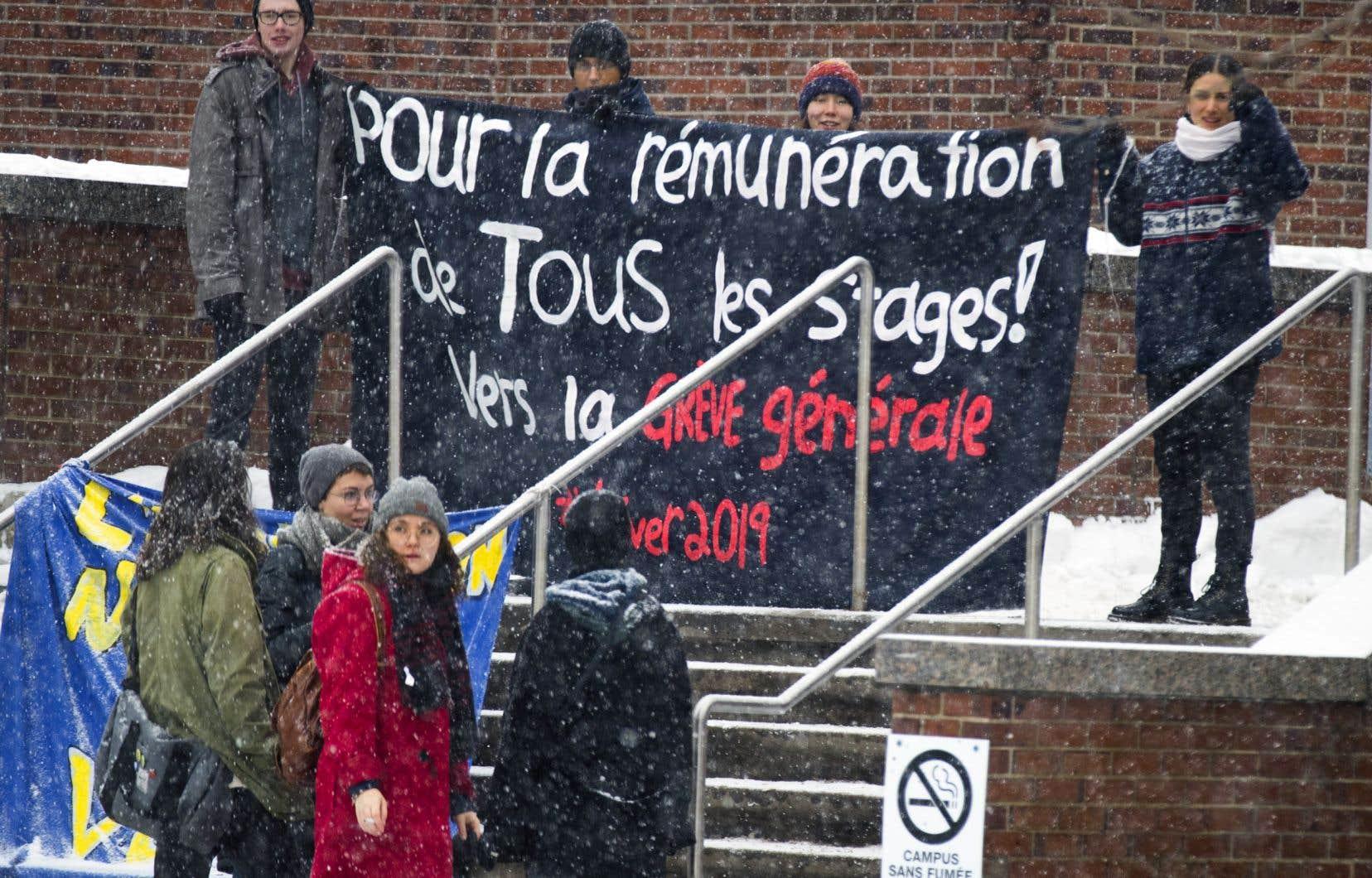 Les étudiants en grève revendiquent la rémunération des stages.