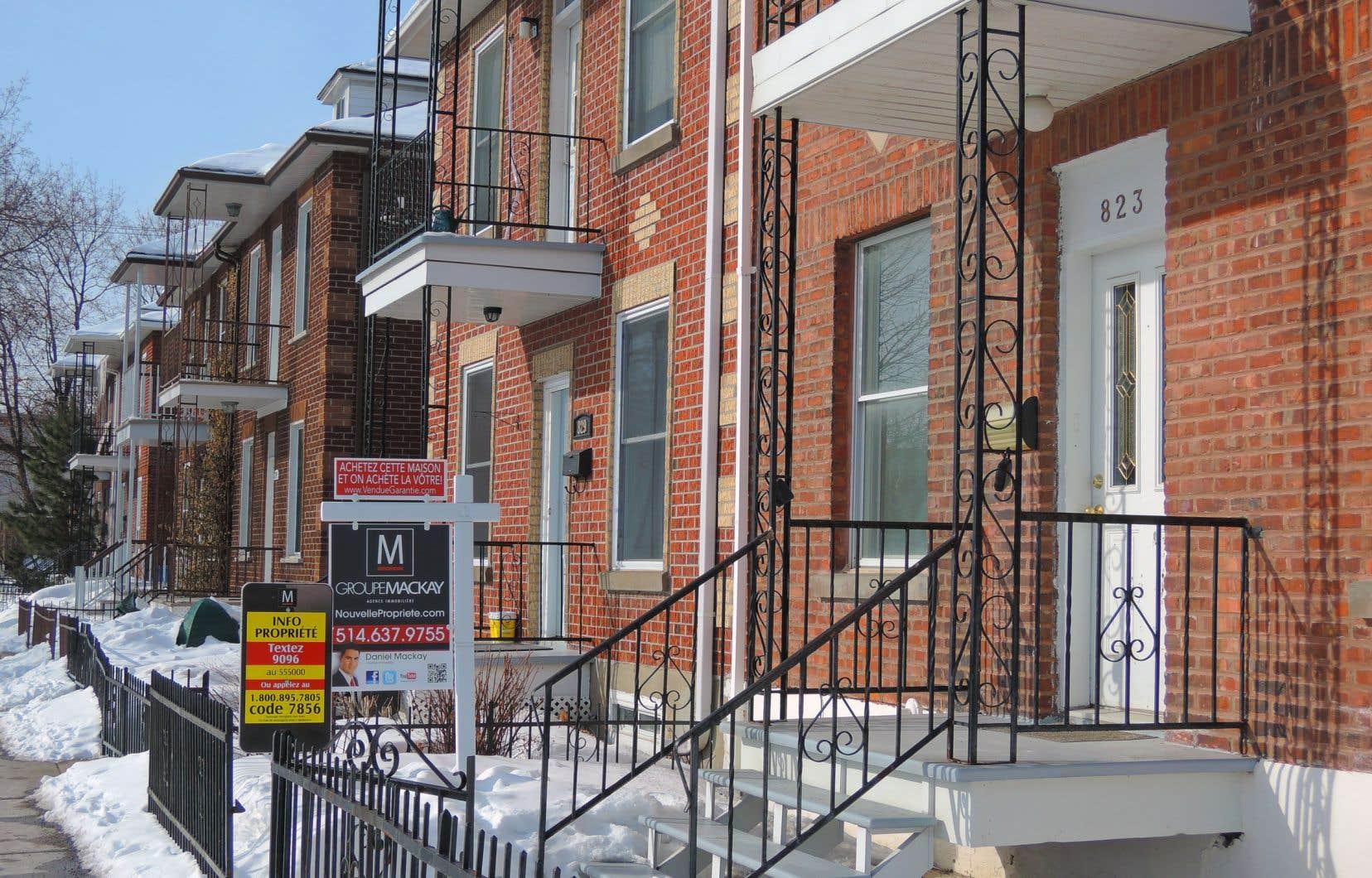 Le marché montréalais se distingue des autres de la province avec des délais de vente en forte baisse, des augmentations de prix soutenues et une surenchère «bien présente» dans certains secteurs.