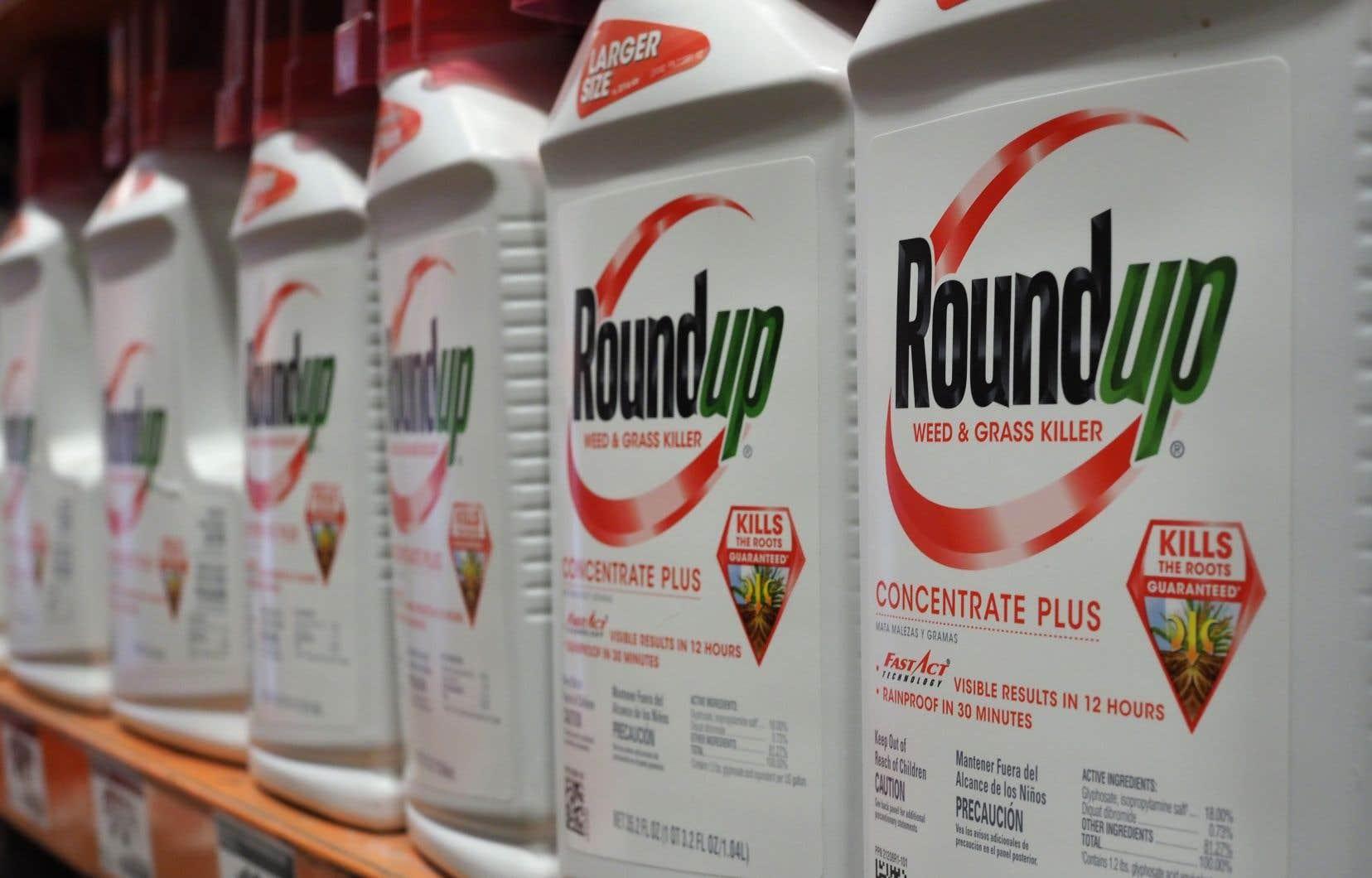 Ce procès était le premier mettant sur le banc des accusés les produits au glyphosate de Monsanto, contre lesquels quelque 8000 procédures juridiques sont en cours.