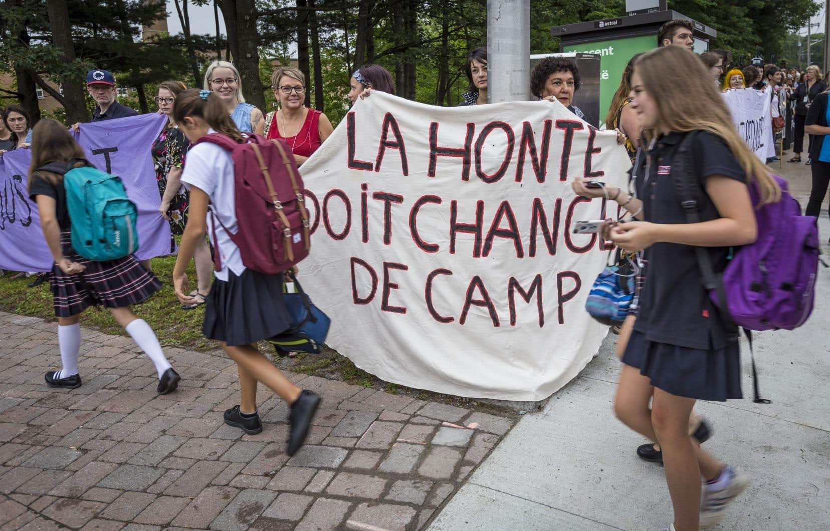 Des cas récents ont été fortement médiatisés notamment lors de l'arrestation d'élèves du séminaire des Pères Maristes à Québec.