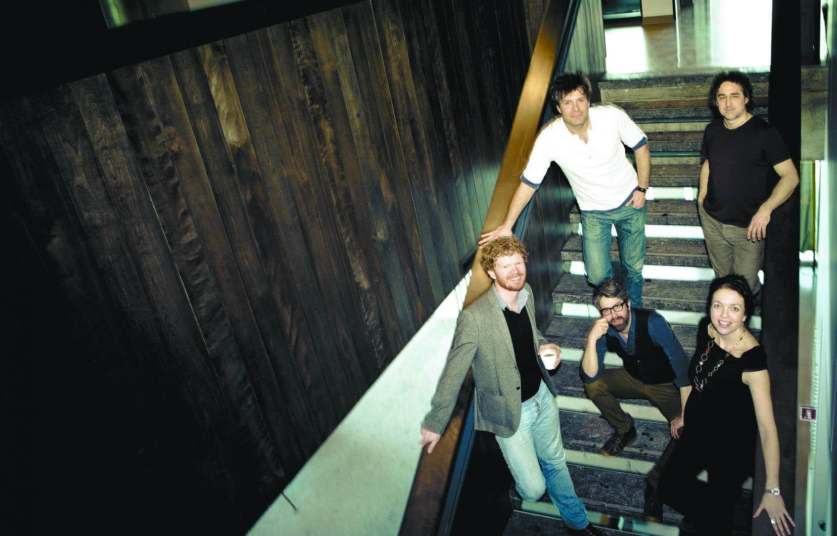 Mes Aïeux figure parmi les interprètes de l'album «Tam ti delam» des éditions La Montagne secrète.