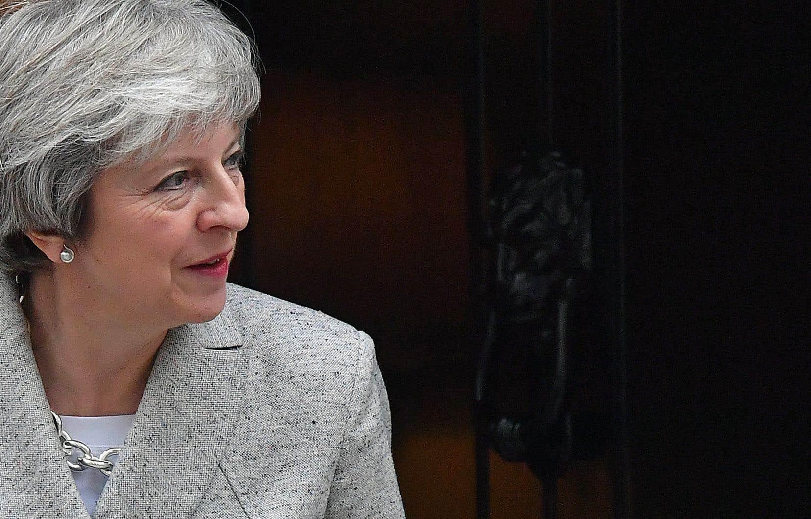 Theresa May retournera samedi à Bruxelles pour finaliser les négociations, à la veille du sommet.
