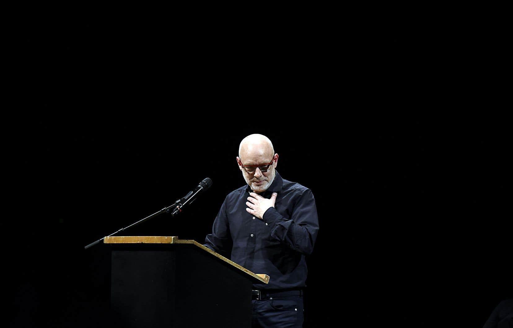 L'artiste britannique Brian Eno alors qu'il livrait un discours à Berlin en 2016