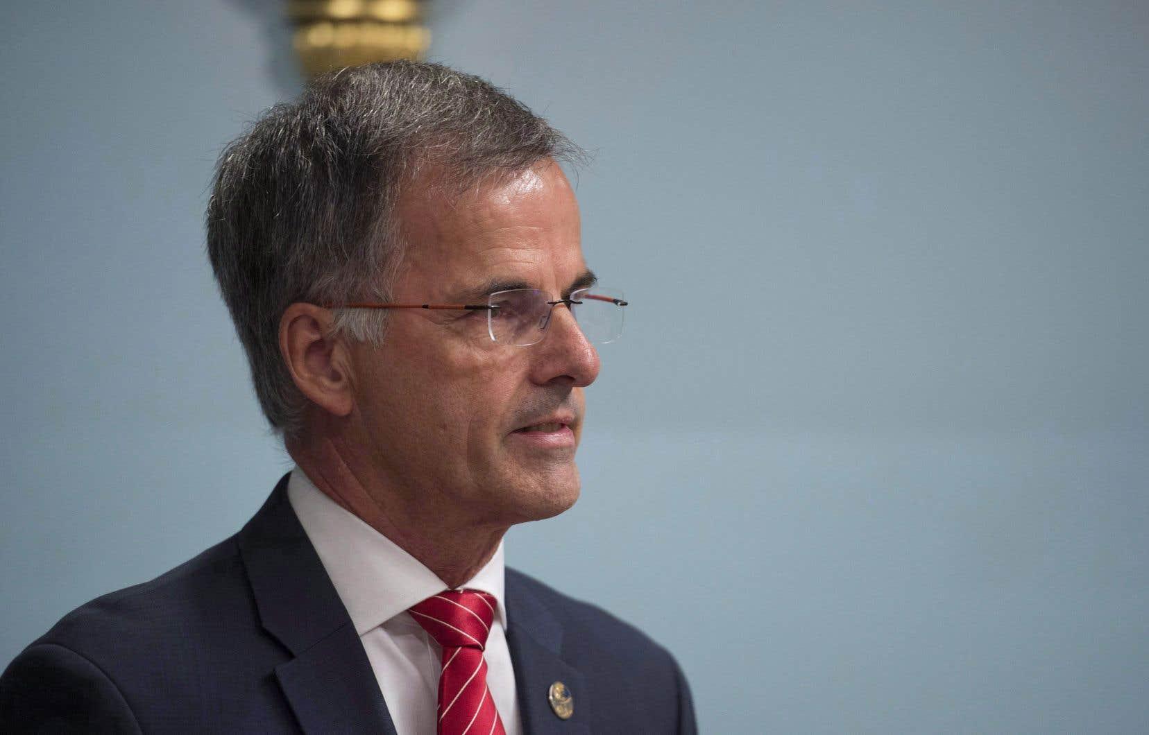 Le député Guy Ouellette estime que l'opération de l'UPAC qui l'a visé en 2017 a porté atteinte à sa réputation.