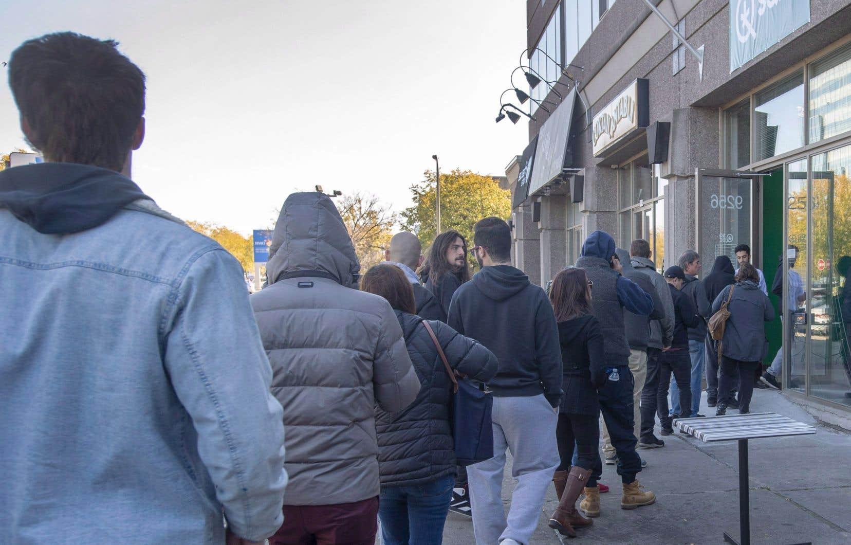 Au lendemain des élections, le gouvernement de François Legault s'est engagé à réécrire la loi encadrant la légalisation du cannabis du Québec d'ici la fin de l'année.