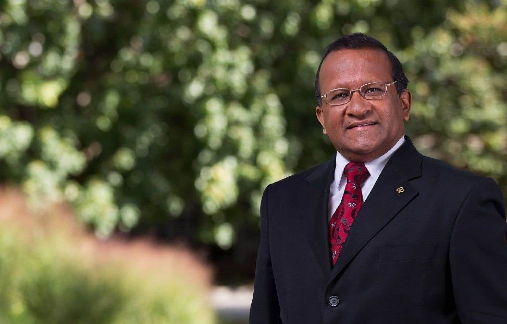 Le maire de l'arrondissement de Saint-Laurent, Alan DeSousa