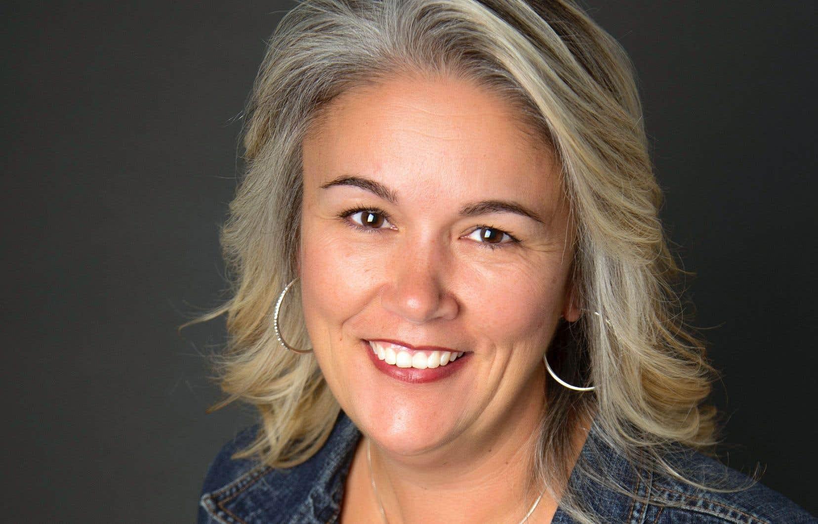Caroline Pignat, qui enseigne au secondaire dans la région d'Ottawa, sait visiblement raconter ses histoires aux adolescents.