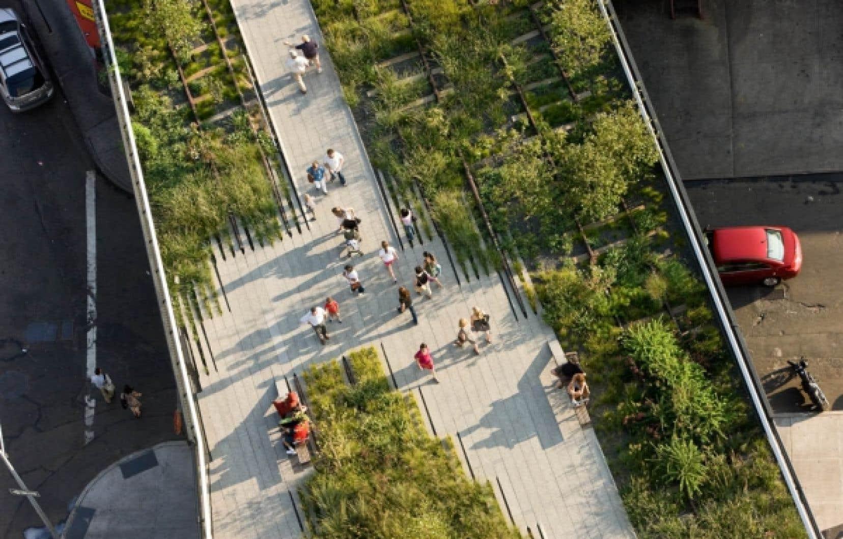 Plus qu'une simple promenade de verdure, le High Line est un véritable paysage suspendu dans la ville.