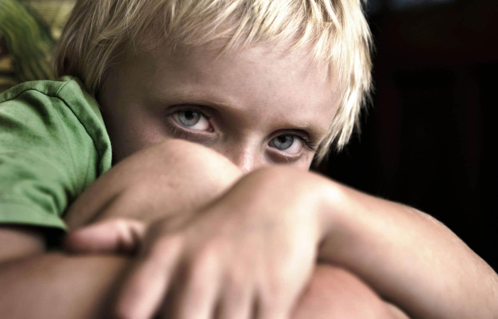 Les variantes génétiques qui ont été identifiées comme étant associées au TDAH sont très communes dans la population. Chaque personne dans la population possède certaines de ces variantes génétiques qui augmentent son risque de développer le TDAH.