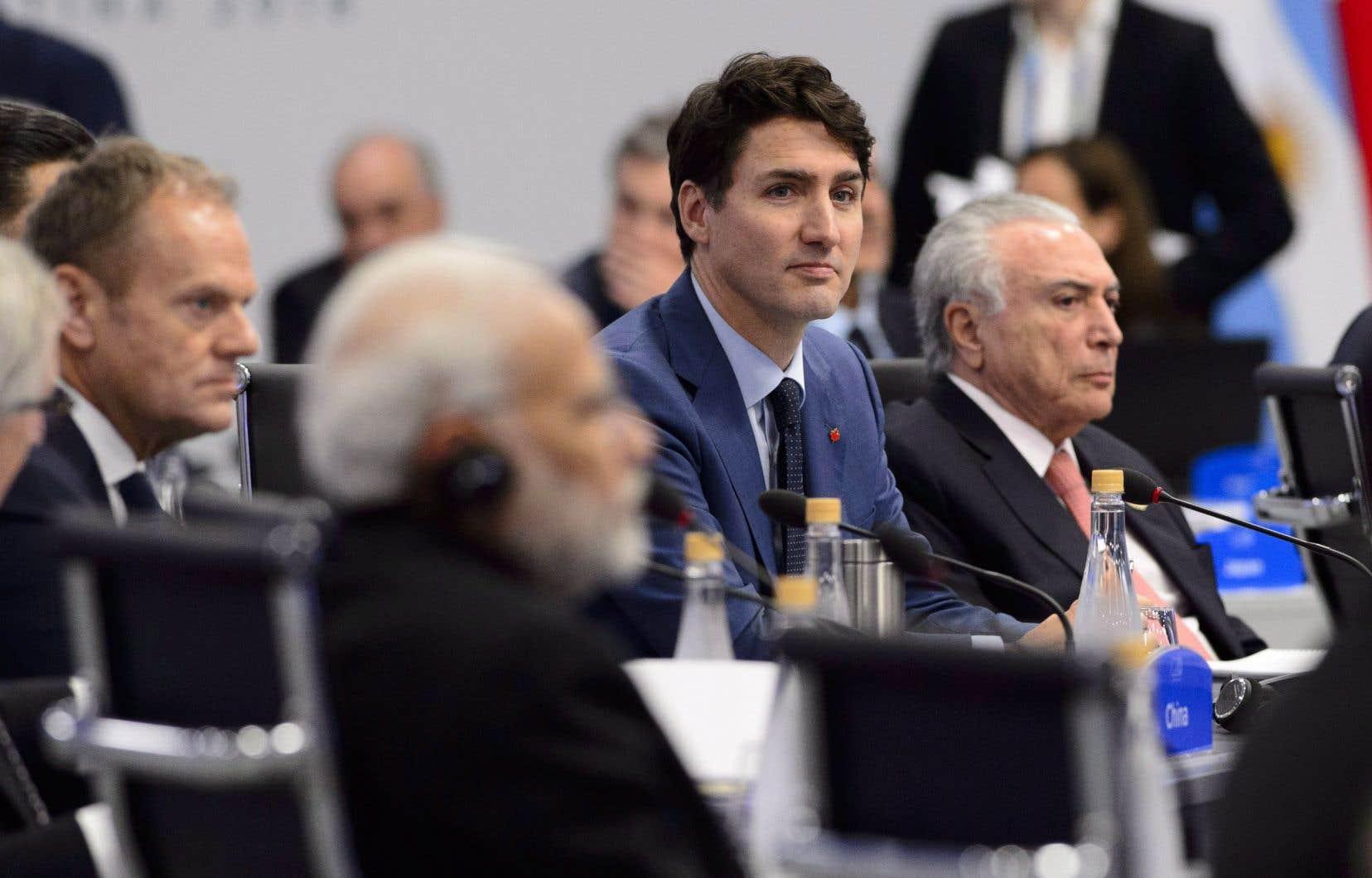 Justin Trudeau doit participer à des rencontres bilatérales avec la première ministre du Royaume-Uni, Teresa May, et le président de la France, Emmanuel Macron, dans le cadre du sommet du G20 à Buenos Aires, en Argentine.