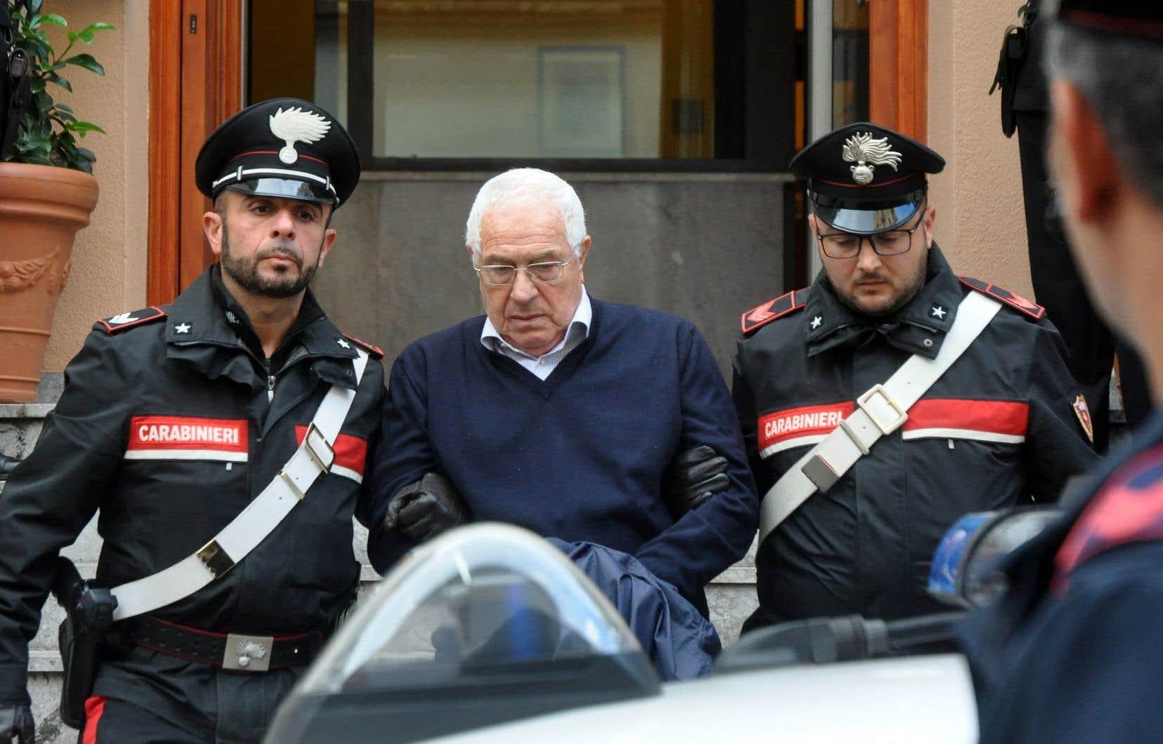 <p>La police a notamment épinglé Settimo Matteo, qui serait devenu le parrain régional après la mort l'an dernier du «parrain des parrains» Salvatore «Toto» Riina.</p>