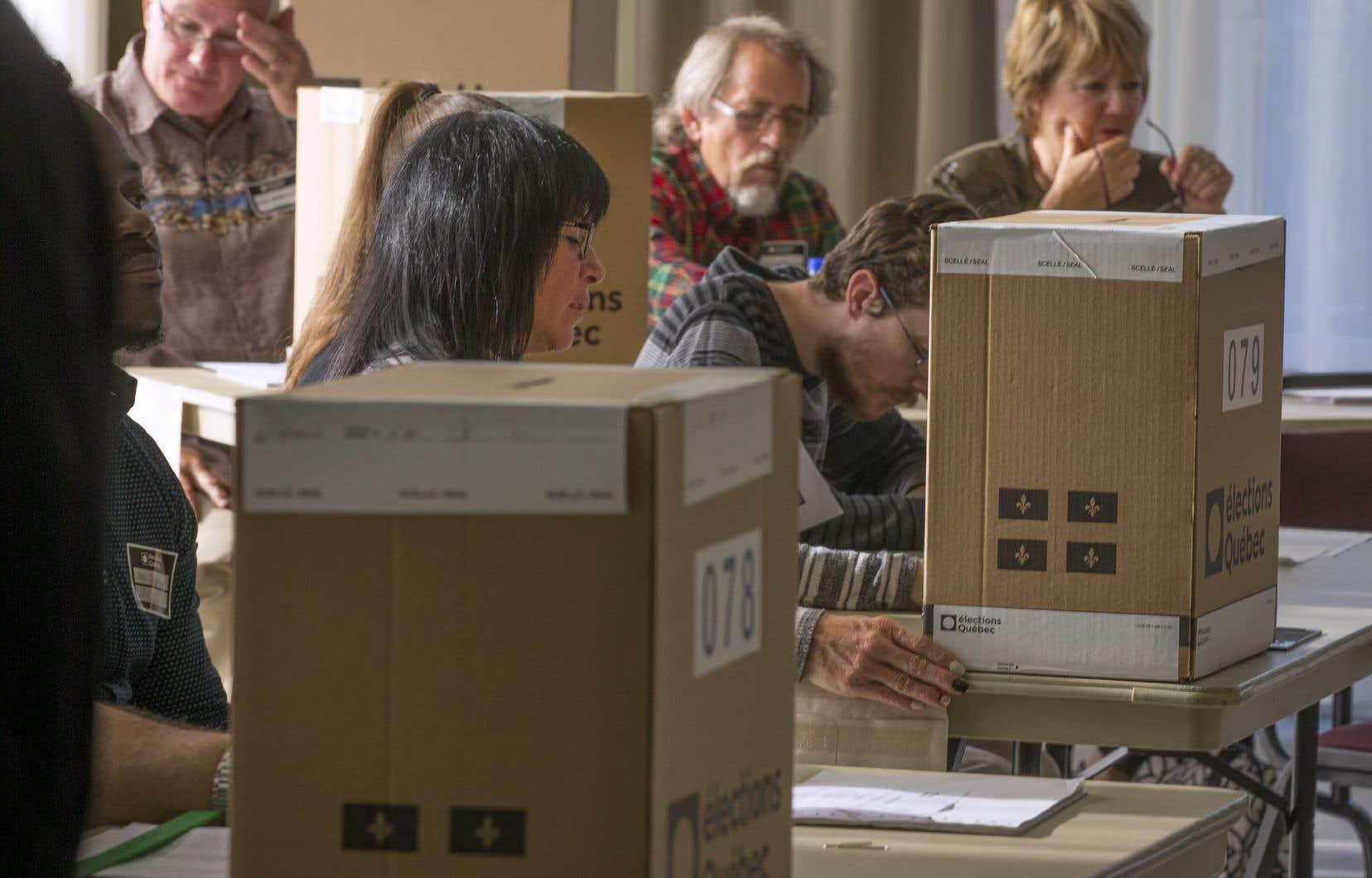 Le scrutin du 1eroctobre a amené à l'Assemblée nationale 94 députés sur 125 qui ont promis solennellement de faire adopter un mode de scrutin proportionnel mixte compensatoire régional.