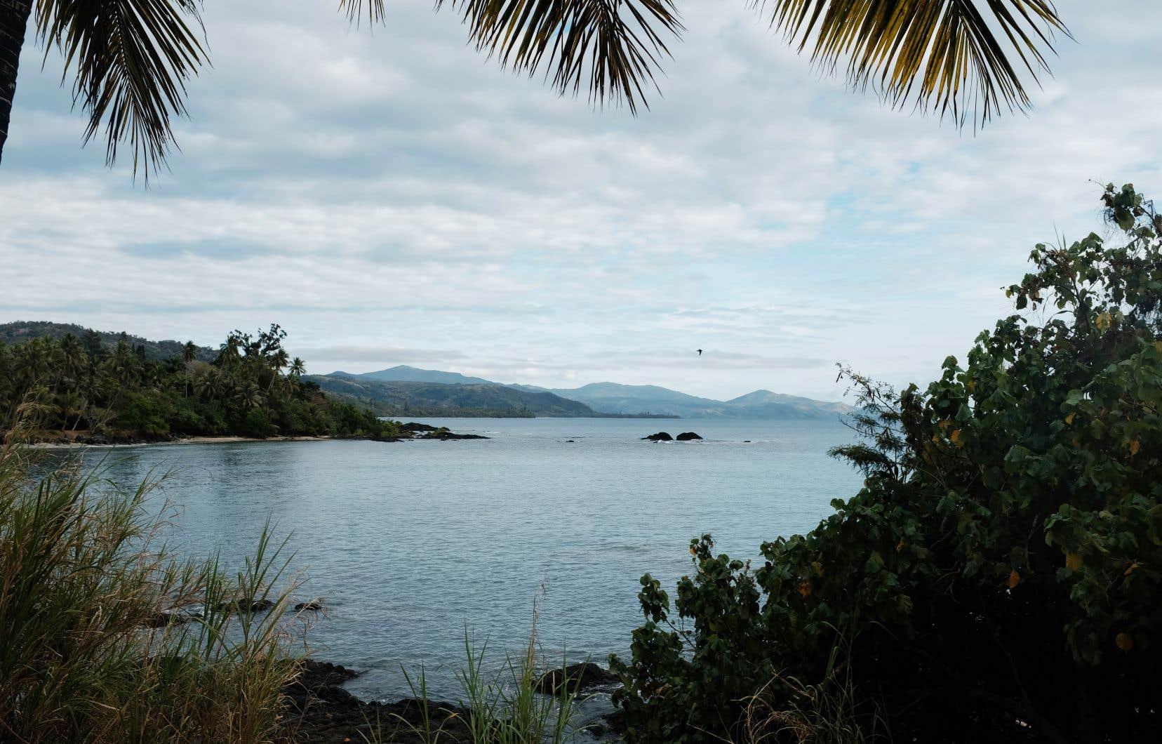 Les Néo-Calédoniens ont reçu des textos leur demandant de se mettre immédiatement à l'abri tandis que le PTWC mettait en garde contre des vagues de tsunami pouvant aller jusqu'à trois mètres.