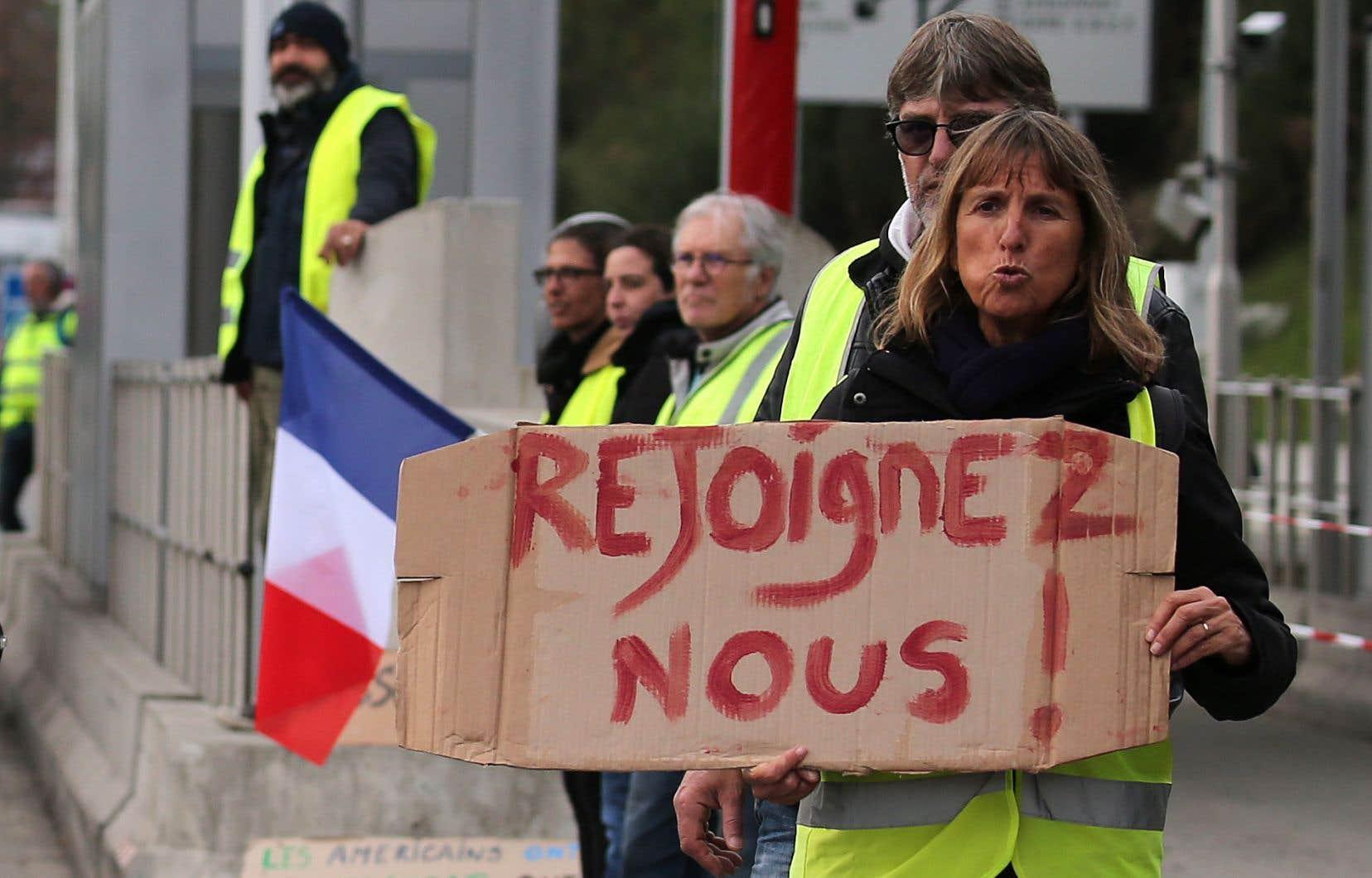 <p>La popularité de M.Macron s'est effondrée depuis le début du mouvement des «gilets jaunes», le 17novembre.</p>