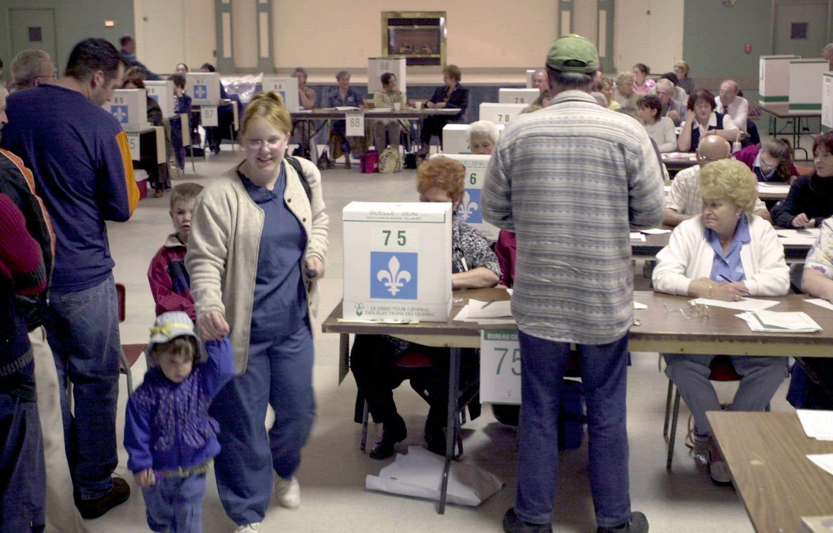 <p>En 2015, lors des dernières élections fédérales, 49600 concitoyens se sont présentés à un bureau de vote mais n'ont pu voter faute de posséder une carte avec photo, nom et adresse.</p>
