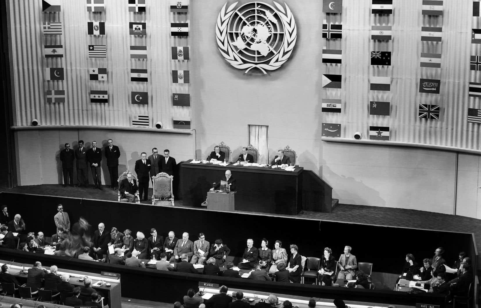 La Déclaration universelle des droits de l'homme a été adoptée par l'Assemblée générale des Nations unies à Paris il y a 70ans, soit le 10décembre 1948.
