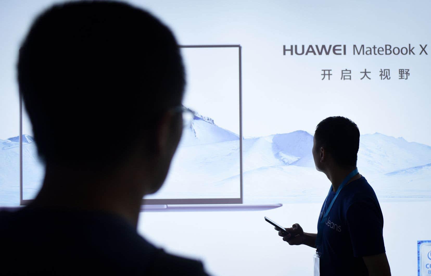 La Chine a convoqué dimanche l'ambassadeur des États-Unis pour protester contre l'arrestation de la directrice financière du géant chinois Huawei et a demandé à Washington de renoncer à sa demande d'extradition.