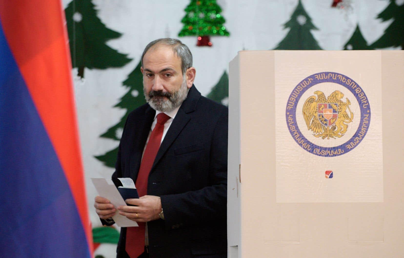 Nikol Pachinian, un ancien journaliste de 43ans, est arrivé au pouvoir en Arménie en mai dernier après avoir mené pendant plusieurs semaines des manifestations massives contre le gouvernement alors au pouvoir depuis plus de dix ans.