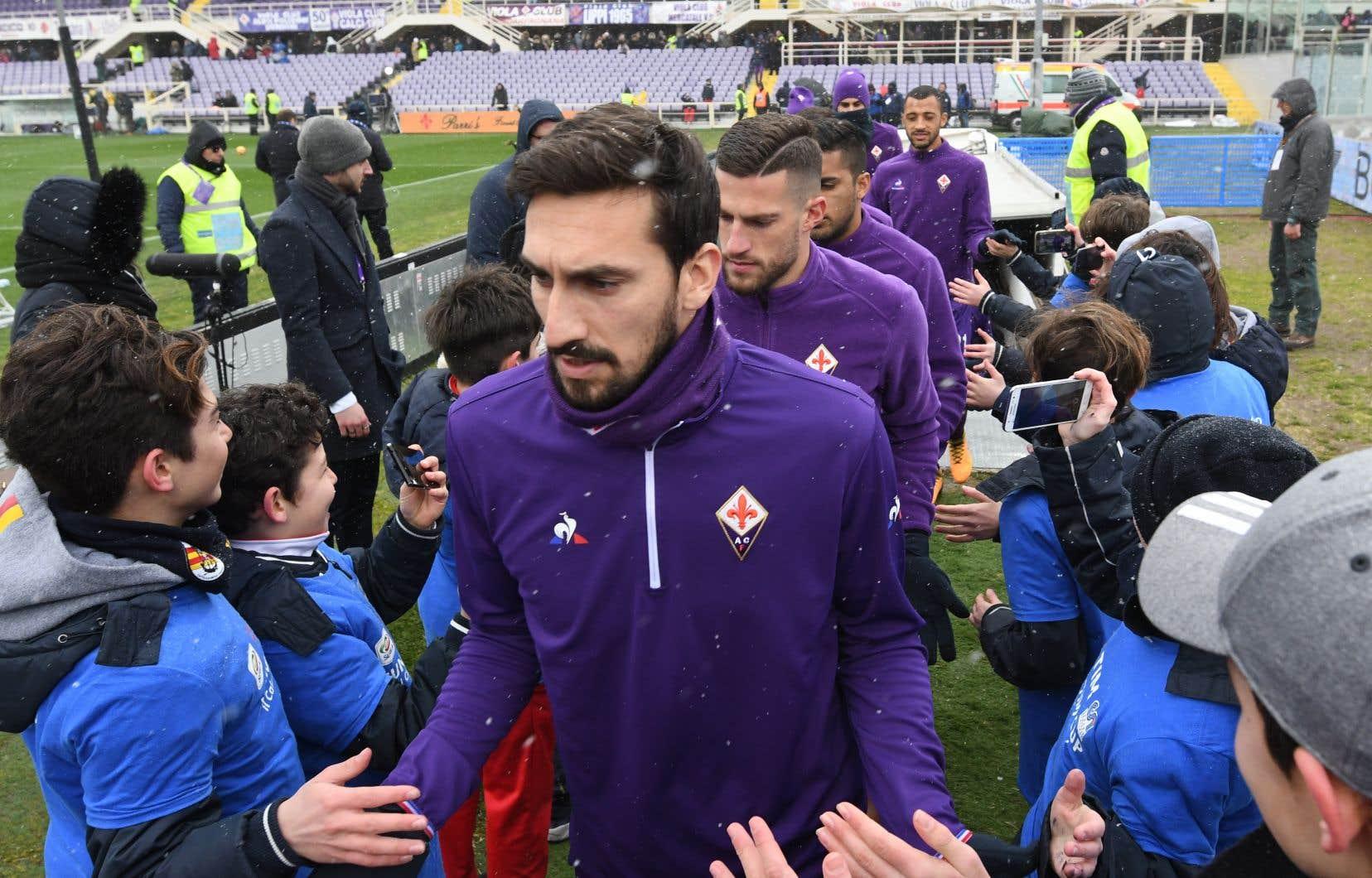Défenseur central, Astori, mort à 31 ans, comptait 14 sélections avec l'Italie.