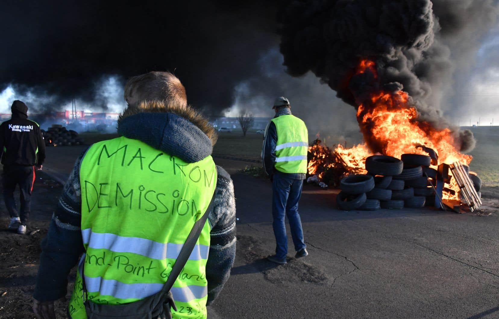 Les «gilets jaunes» poursuivaient leurs opérations de blocages et manifestations sur les routes et les ronds-points à travers la France mardi, avec plus de 10000 manifestants mobilisés, selon le ministère de l'Intérieur.