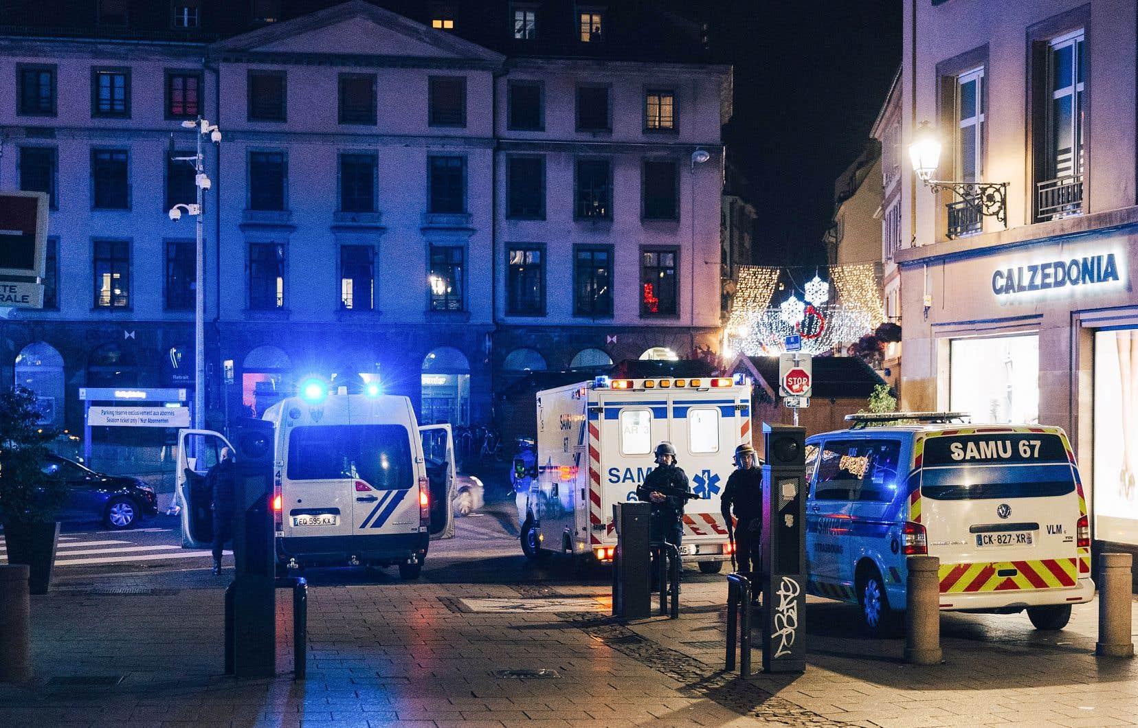 Le parquet de Paris a ouvert une enquête pour «assassinat, tentative d'assassinat en relation avec une entreprise terroriste et association de malfaiteurs terroriste criminelle».