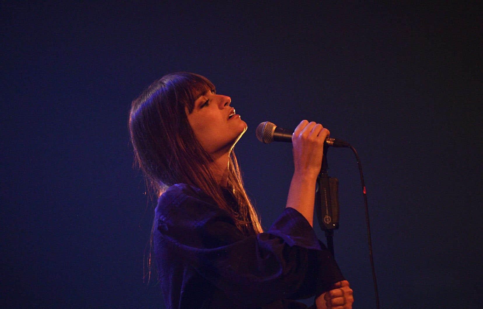 Clara Luciani en concert à La Rochelle